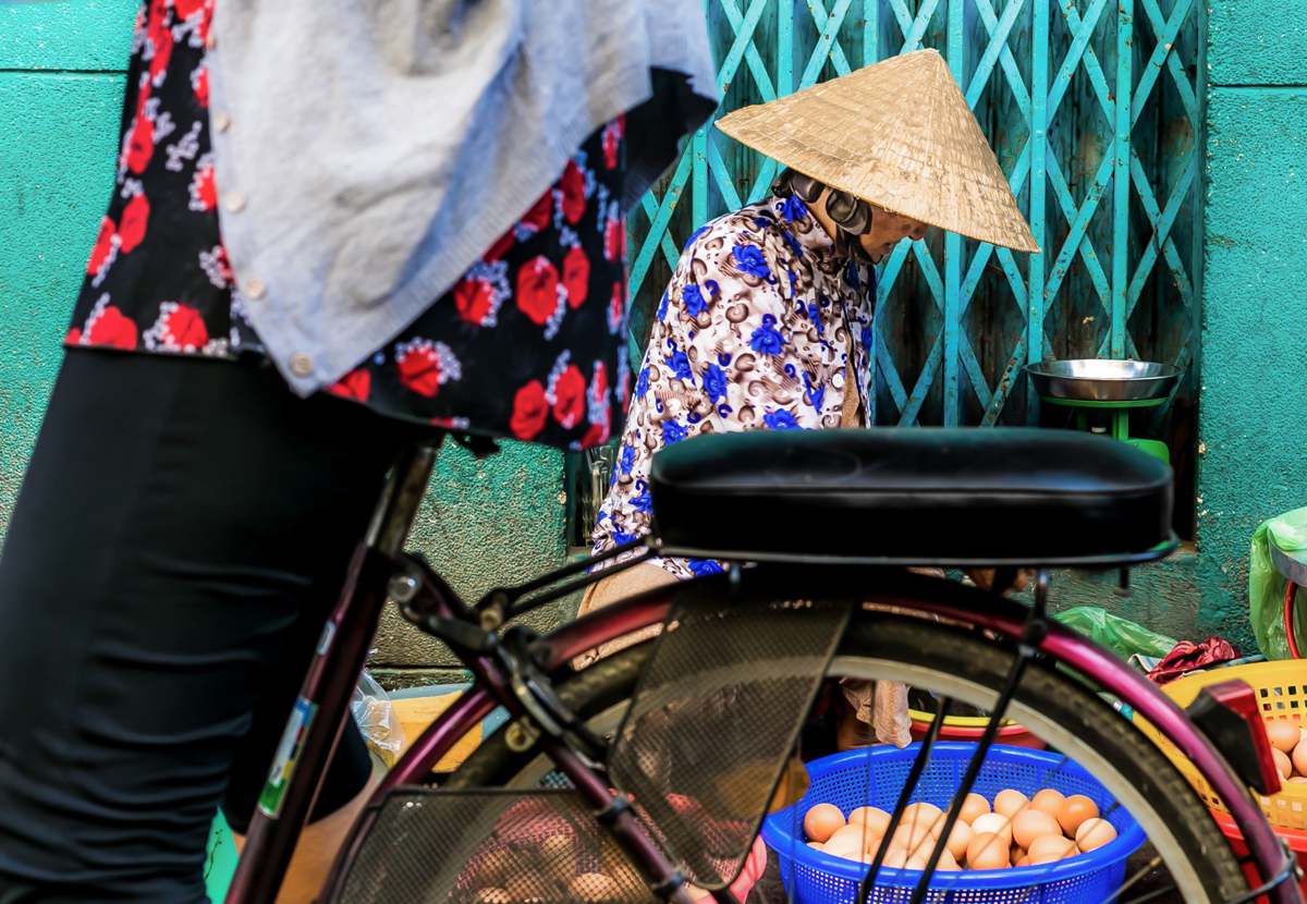 Photo of a bike in a Vietnamese market